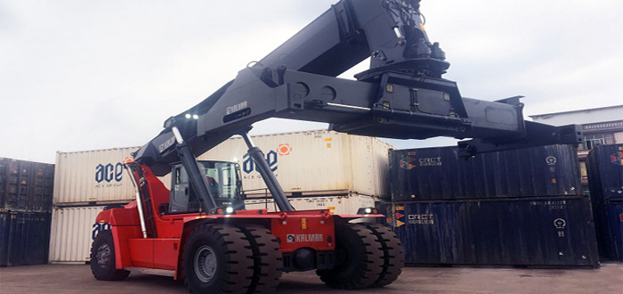 Kalmar's first order of Gloria reachstacker with K-Motion Technology in China.