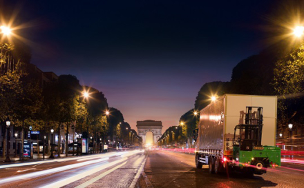 MOFFETT E-Series truck mounted forklifts offer silent and emission free deliveries for urban night-time deliveries.